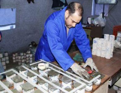 Orta Hasarlı Binalarda Karot Alma Çalışmaları Sürüyor