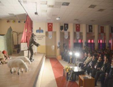 Suruç Emniyet Müdürlüğü'nden Öğrencilere Tiyatro