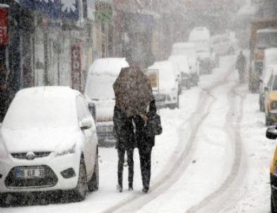 Tokat'ta Kar Yağışı Hayatı Olumsuz Yönde Etkiliyor