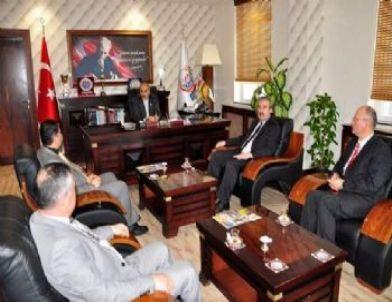 Tosya Din Görevlileri Derneği Başkan Şahin'i Ziyaret Etti