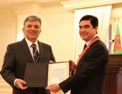 Türkmenistan Devlet Başkanı Gurbangulu Berdimuhamedov'a 'devlet Nişanı'