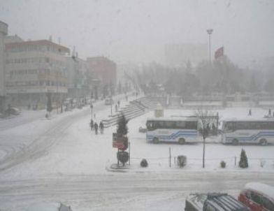 Yozgat'ta Kar Yağışı Hayatı Olumsuz Etkiledi