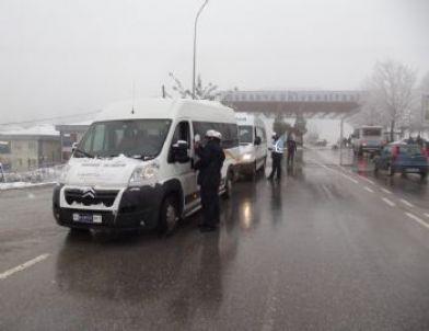 Zabıta Servis Araçlarını Kontrol Etti