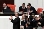 ŞAMİL TAYYAR - Küfürler havada uçuştu...Meclis'te tekme tokat kavga