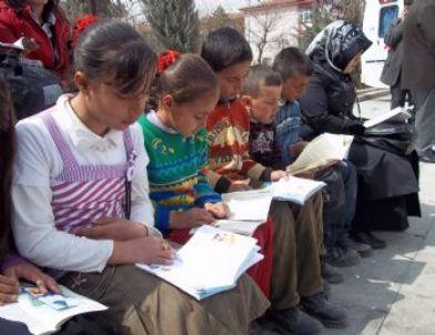 Kırıkkale'de Açık Hava Kitap Okuma Etkinliği
