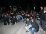 BATTAL COŞKUN - Trafik Kazalarını Protesto Eden Belde Halkı Yolu Trafiğe Kapattı