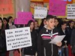 Öğrenciler ''kitap Okuma Eylemi'' Yaptı