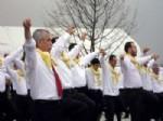 ENDER VARDAR - Guinness Rekoru Tescil Belgesini Üyelerine Dağıttı