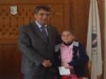 Uğurludağ Başkanı İpek'ten Başarılı Sporculara Ödül