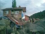 Sinop'ta 2 Katlı Bina Heyelan Nedeniyle Kullanılamaz Hale Geldi