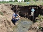 PETROL SONDAJI - Petrol Aramaları Sırasında Bulunan Sıcak Su Boşa Akıyor