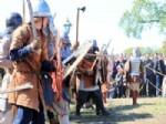 VIKINGLER - Rusya'da Gerçekleştirilen Viking Festivalinde Kan Döküldü