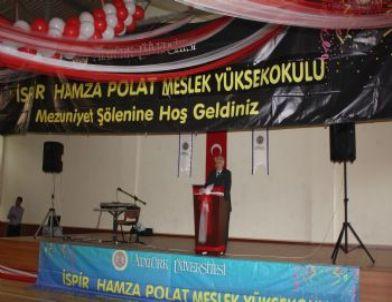 Ispir hamza polat meslek yüksek okulu nda mezuniyet heyecanı