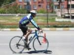 SÜLEYMAN YıLMAZ - Tatvan Triatlon Yarışmalarına Ev Sahipliği Yaptı
