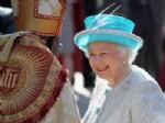 KYLIE MINOGUE - Kraliçe'nin 60. yılı kutlanıyor