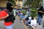 TEGUCIGALPA - 20'den fazla çete lideri cenazede yakalandı