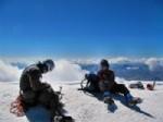 ZAFER ENGIN - Rizeli Dagcılar Gürcistan'da Bululan 5 Bin 47 Rakımlı Kazbek Dağı'na Tırmandı