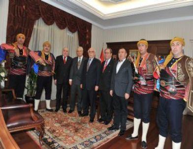 Ankaralılar Vakfı'ndan Milli Eğitim Bakanı Avcı'ya Ziyaret