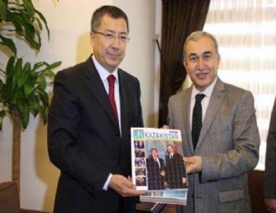 Kazakistan Cumhuriyeti Ankara Büyükelçisi Sakarya'da