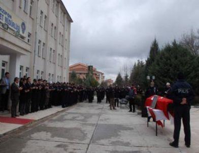 Polis Memuru İçin Tören