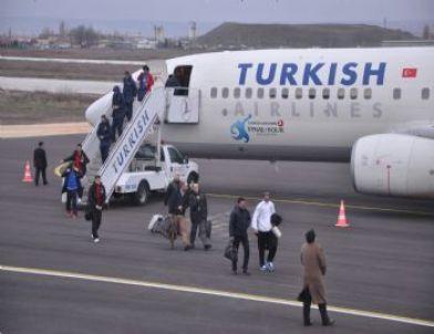 Trabzonspor Kupa Maçı İçin Eskişehir'e Geldi