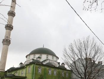 70 yıllık camiyi kültür evine çevirip içkili davet verdiler