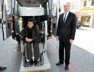 """Belediye Engelli Vatandaşlar İçin """"engelli Aracı"""" Uygulaması Başlattı"""