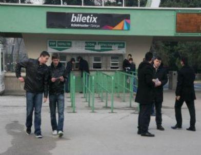 Bursaspor Taraftarı Galatasaray Maçına İlgi Göstermedi