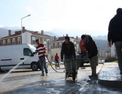 Çaydeğirmeni Belediyesinden Toki Çevresinde Temizlik ve Düzenleme Çalışması