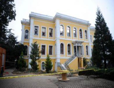Fatih Terim ve Futbolcular Galatasaray Üniversitesi'ni Ziyaret Etti