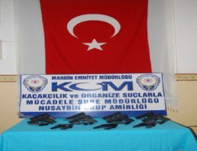 Kızıltepe'de 11 Adet Tabanca Ele Geçirildi