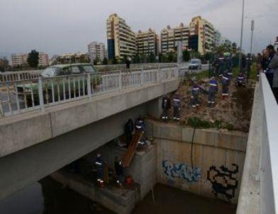 Köprüaltındaki Yaşama Konyaaltı Belediyesi Müdahale Etti.