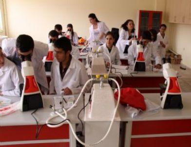 NEÜ'de Fen Bilimleri Enstitüsü Lisansüstü Kayıtları Başladı