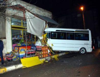 Otomobil Eve, Minibüs Markete Daldı