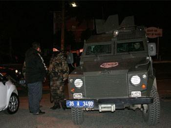Özel Harekat Polisi silahıyla dehşet saçtı