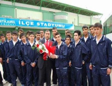 Şehitkamil Belediyespor U17 ve U19 Futbol Takımları Zirveden İnmiyor