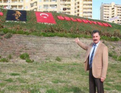 Toroslar, Parklara Atatürk Silueti ve Türk Bayrağı Yerleştirdi