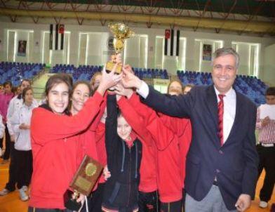 Voleybol Turnuvası Şampiyonu Vakıfbank Oldu