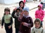 MUHAMMET İSMAIL - Suriyeli Sığınmacılar Zor Hava Şartlarına Aldırmıyor