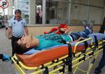 YıLMAZ ÇETIN - Kahta'da İki Otomobil Çarpıştı: 4 Yaralı