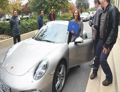 'İtibar Görmek İçin Porsche'la Geldim'