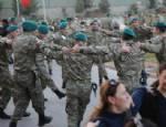 BASAT ÖZTÜRK - Mehmetçik'ten halay şov