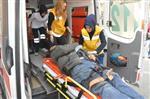 YAKUP ŞAHIN - Minibüsle Çarpışan Motosiklet Sürücüsü Ağır Yaralandı