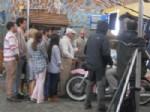 BİNNUR KAYA - Birgi'de Yağmur Altında Reklam Filmi Çekildi