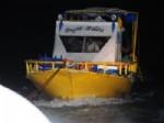 ERCEK - Erçek Gölü'nde -20 Derecede 6 Saat Mahsur Kalan Balıkçılar Kurtarıldı