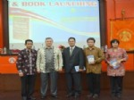 """MUHAMMED ÇETIN - """"Gülen Hareketi"""" Kitabı Endonezya Diline Çevrildi"""