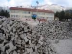 YEŞILBAŞKÖY - Yeşilbaşköy'de Okullarda Parke Döşeme Çalışmaları