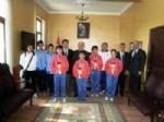 TAYTAN - Başarılı Sporcular Kaymakam ve Milli Eğitim Müdürünü Ziyaret Etti