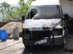 DURSUN YıLMAZ - Evinin Önüne Park Halinde Yanan Minibüste Kundaklama Şüphesi