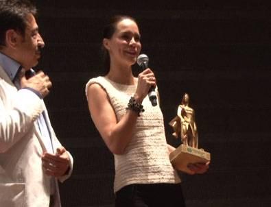 Ebru Şallı ödüle doymuyor